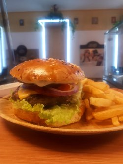 Hamburger cu chiflă simplă image