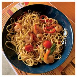 Spaghetti cu creveți în sos de vin  image