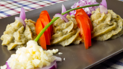 Salată de vinete coapte în casă image