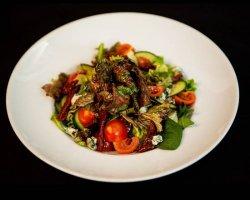 Salată Hip - Hop cu Mușchi de vita și Blue Cheese image