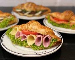 2+1 Croissants salees image