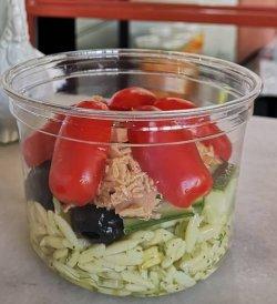Salata cu paste orzo cu ton image