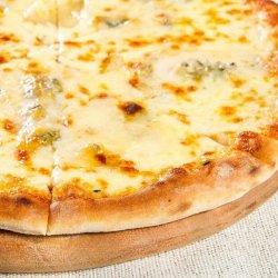 1+1 GRATUIT: Pizza Quattro Formaggi image