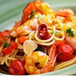 Spaghetti Aglio Olio e Gamberi image
