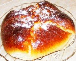 Plăcinte bucovinene (poale'n brâu) cu brânză de vaci și stafide  image