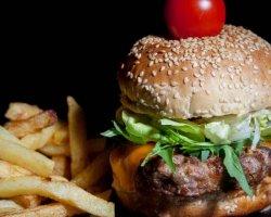 Burger mediteranean image