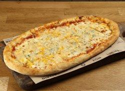 Pizza Tanti Formaggi image