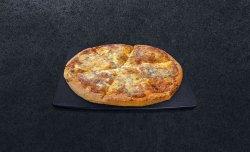 Pizza Quattro Formaggi medie image
