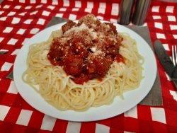 Chiftelute marinate cu spaghete image