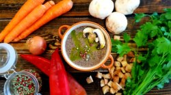 Supă cremă de ciuperci cu hribi și cimbrișor – vegetarina/post  image