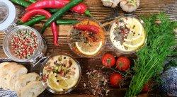 Hummus picant  image