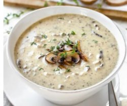 Supa crema de ciuperci cu crutoane image