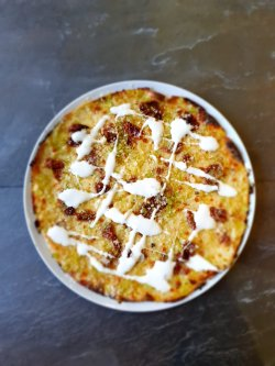 Parmigiano e Pomodori Secchi - The ALTERNATIVE / cu blat usor crocant image