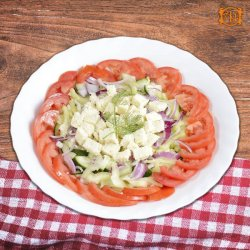 Salată de crudități cu telemea image