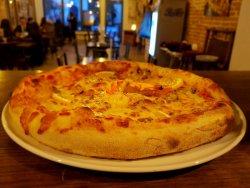 Pizza Quattro pesci image