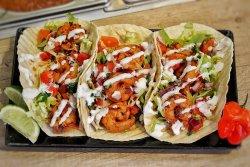 Tacos cu creveți la grill image