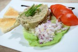 Salată de vinete cu pâine prăjită image