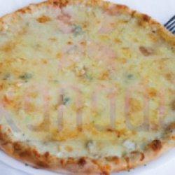 Pizza Quattro Formaggi 30 cm image