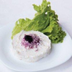 Salată de icre făcută în casă și pâine prăjită image
