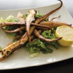 Tentacule la grătar cu mix de salate și lamaie  image
