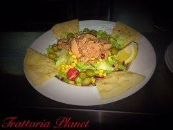 Salată con tonno image