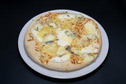 Pizza Quattro Formaggi Grande image