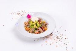 Salată cu ton și somon fume image