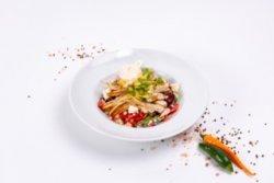 Salată de pui cu avocado image